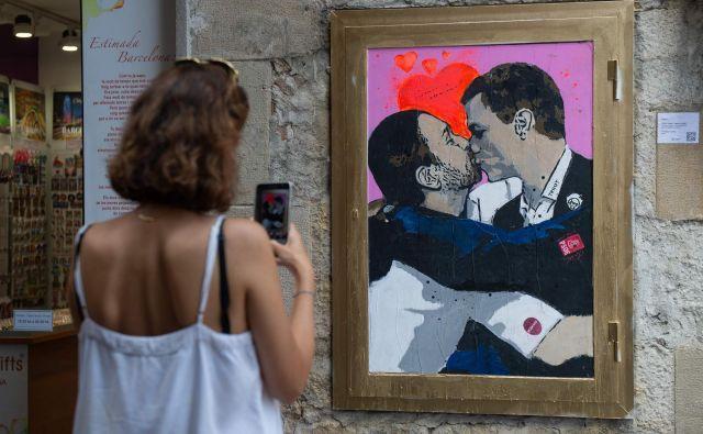 Naklonjenost med vršilcem dolžnosti predsednika španske vlade, socialistom Pedrom Sánchezom, in prvim možem levičarske formacije Unidas Podemos Pablom Iglesiasom je le navidezna. Foto AFP