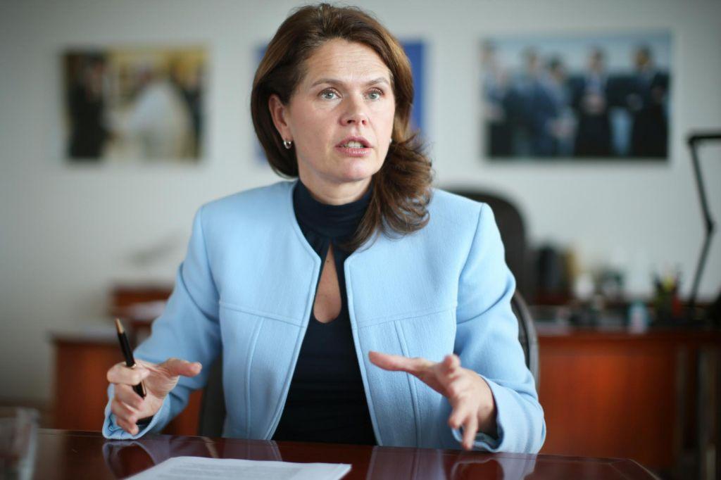 Bratušek: Ne predstavljam si, da bi nekdo preprečil dostop do državne infrastrukture