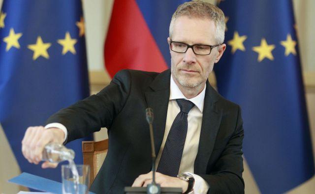 Guverner Banke Slovenije Boštjan Vasle pravi, da so strokovnim službam ECB naročili, da proučijo možnosti za dodatno ukrepanje. FOTO: Roman Š�ipić/Delo