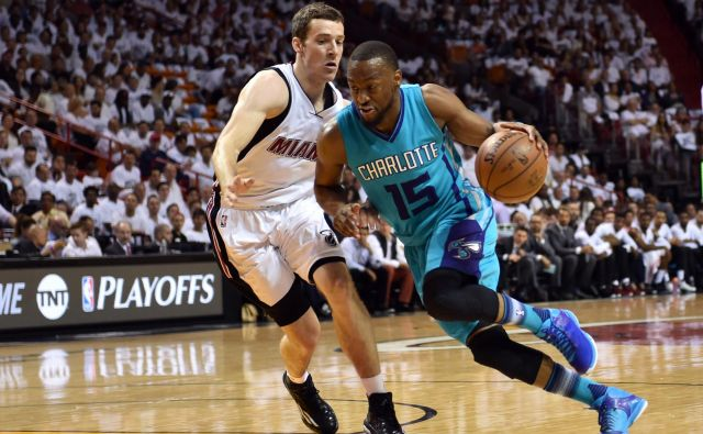 Goran Dragić dobro pozna odlike Kembe Walkerja, ki je v prejšnji sezoni nosil dres Charlotta in bil deseti strelec lige NBA s povprečjem 25,6 točke. FOTO: USA Today Sports