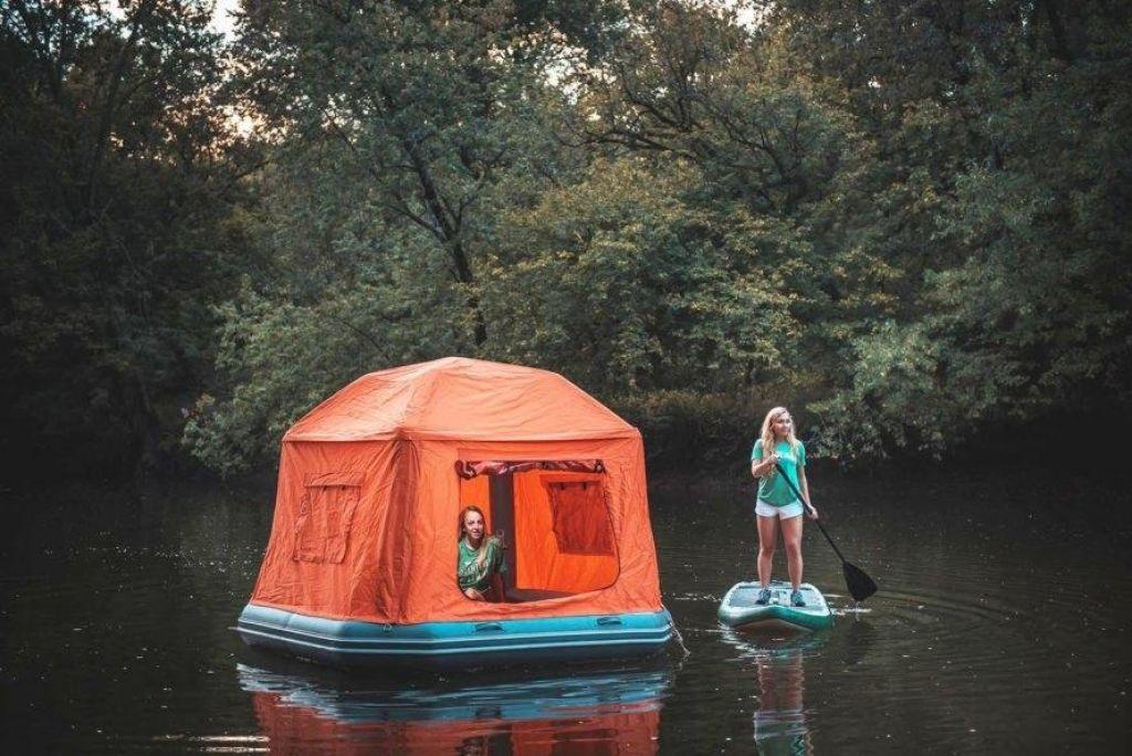Plavajoči šotor. Zakaj pa ne?