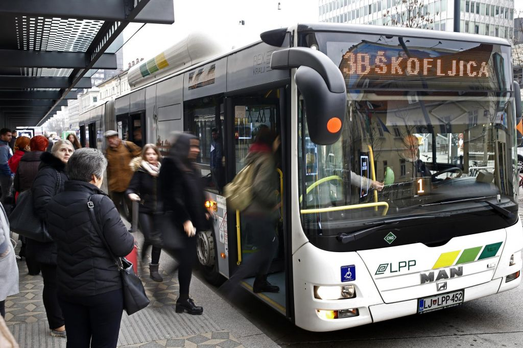 Na mestni avtobus z aplikacijo LPP bus