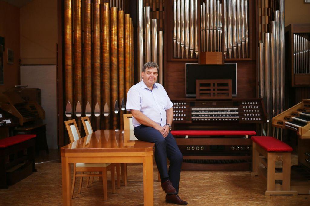 FOTO:Orgle, vredne razglednega stolpa in 400 milijonov