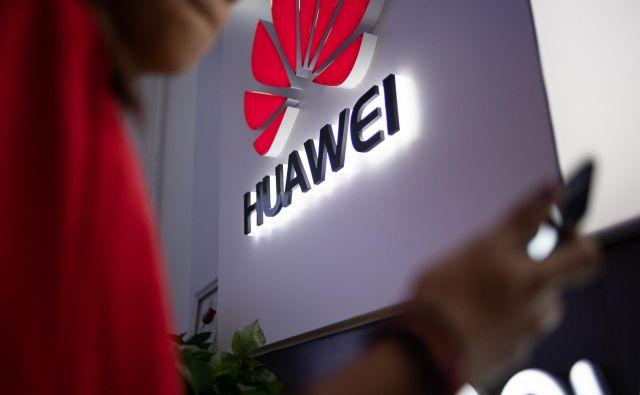 Dostop do teh informacij naj bi uravnavali izključno na sedežu Huaweija na Kitajskem. FOTO: Fred Dufour/AFP