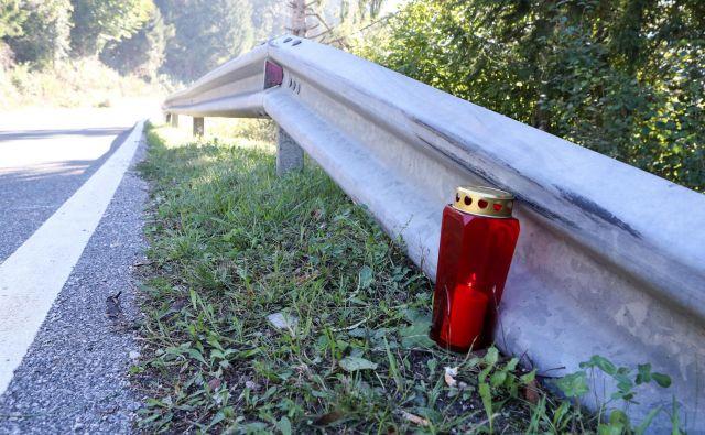 na cesti Godovič Hotedršica se je smrtno ponesrečil dvajsetletni motorist Gašper Rejec iz Idrije. Godovič, Idrija, 28.9.2018. Foto: Marko Feist Foto Marko Feist