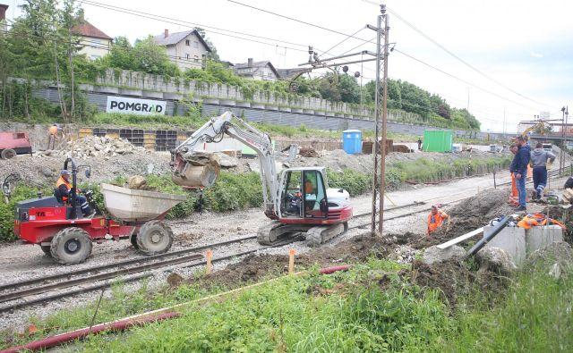 Železniški odsek Maribor–Šentilj je ocenjen na 253,7 milijona evrov, od tega je 101 milijon evrov evropskih sredstev. FOTO: Tadej Regent/Delo
