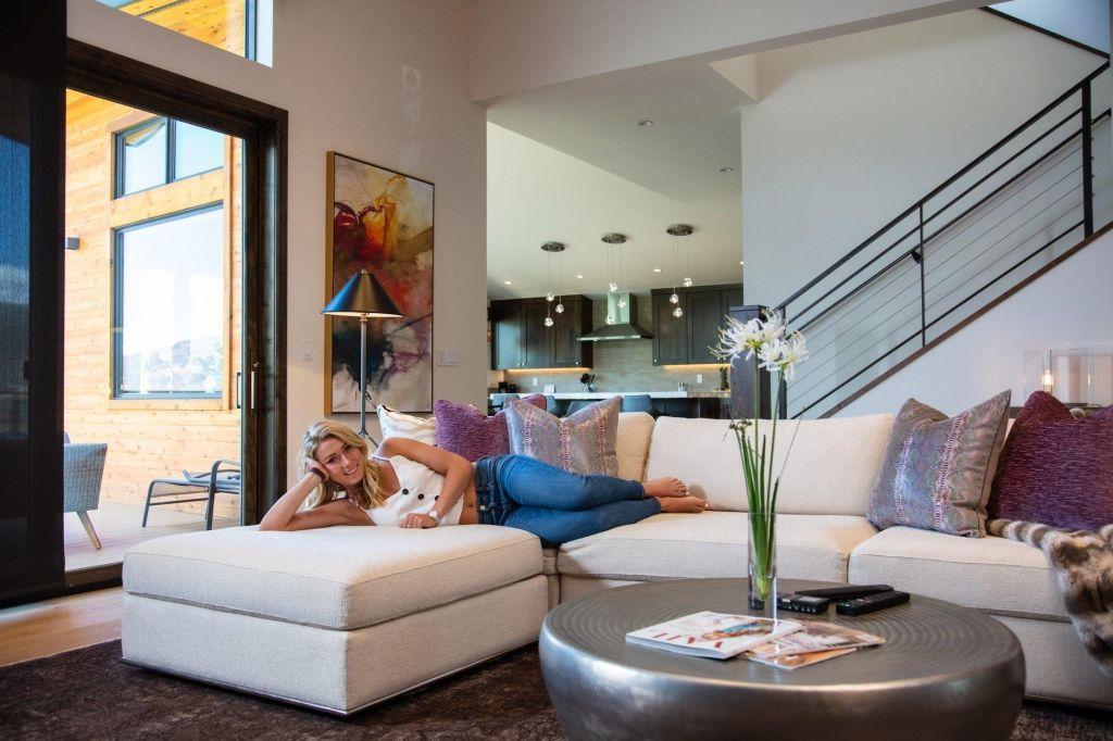FOTO:Mikaela Shiffrin odprla vrata novega doma (FOTO in VIDEO)