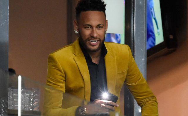 Neymar je nedolžnost dokazoval tudi z videoposnetkom korespondence z dekletom, ki ga bremeni posilstva. FOTO: AFP