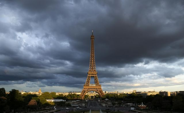 Zadnji gospodarski podatki za Francijo niso spodbudni, rast je precej oslabela tudi v Nemčiji, Španiji, Avstriji in Belgiji, Italija pa je z ničelno rastjo spet na robu recesije. FOTO: Reuters