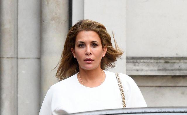 Princesa Haja ob odhodu z britanskega sodišča. FOTO: Toby Melville/Reuters