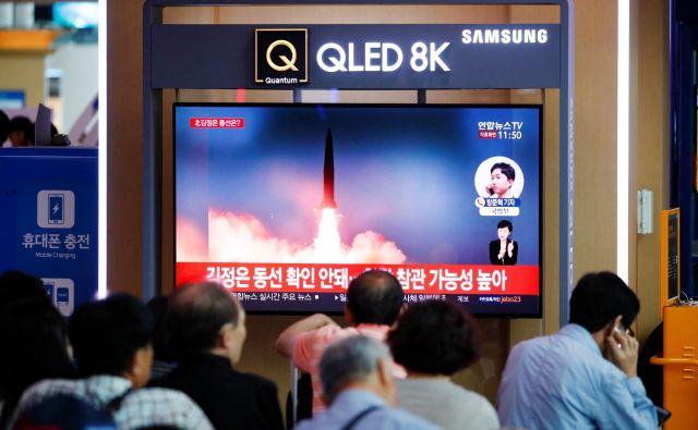 Dogajanje spremljajo tudi v Južni Koreji. FOTO: Kim Hong Dži/Reuters