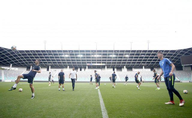 Olimpijini nogometaši so nabrušeni in upajo, da bodo imeli čim bolj številčno podporo 12. igralca s stožiških tribun. FOTO: Roman Šipić/Delo