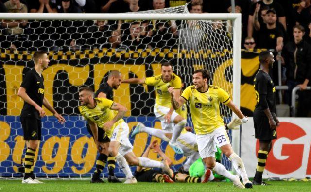 Švedsko rumeni Mariborčani so utišali dobrih 19.000 navijačev na Areni prijateljstva. FOTO: Reuters