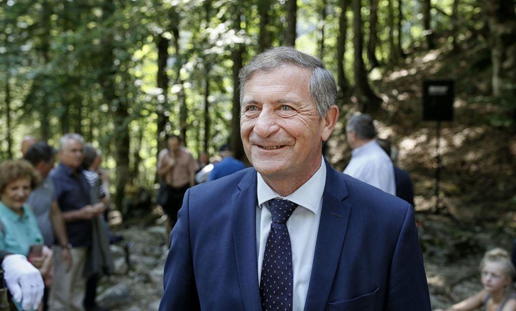 FOTO:Karl Erjavec noče sestopiti z vrha stranke