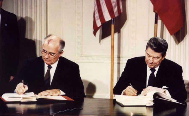 Sporazum, ki se je danes znašel na»smetišču zgodovine«, sta decembra 1987 podpisala Mihail Gorbačov in Ronald Reagan.