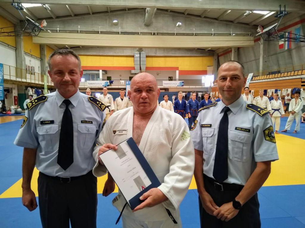 Policija na treningu presenetila Fabjana