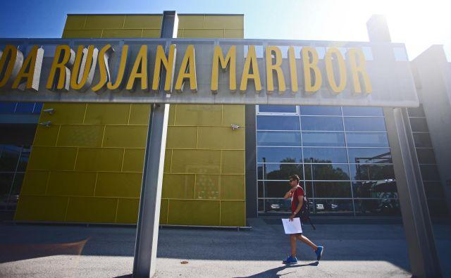 Ob Mariborskem letališču bodo novi lastniki gradili tudi hotel ter poslovno in nakupovalno središče. Foto Tadej Regent