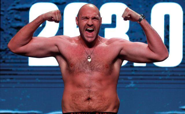 Tyson Fury se bo naslednjič v ring povzpel 14. septembra v Las Vegasu, kjer se bo udaril s prav tako še neporaženim Švedom Ottom Wallinom. FOTO: Reuters