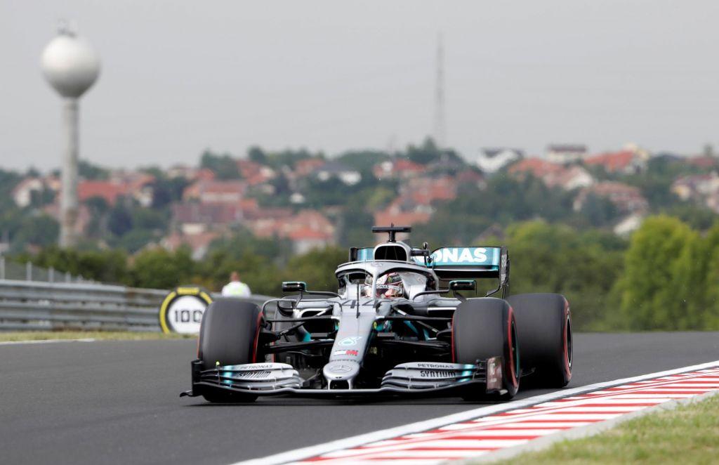 Hamilton začel najhitreje, težave Bottasa