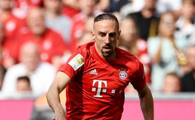 Šestintridesetletni nekdanji francoski reprezentant Franck Ribery je po 12 sezonah zapustil nemški Bayern. Od takrat se ne končajo ugibanja, kam ga bo vodila nova pot. FOTO: Reuters