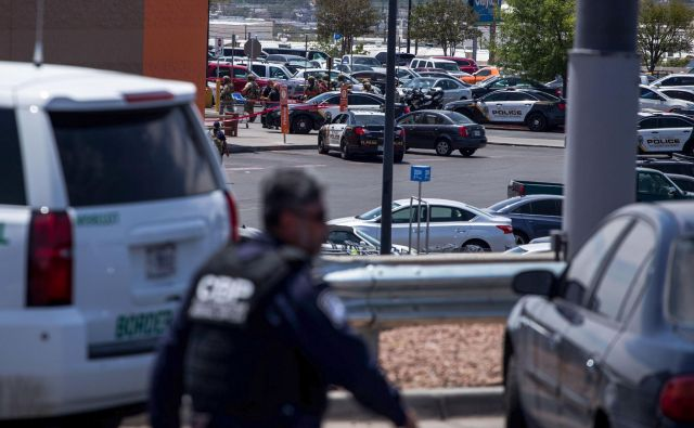 Mesto so preplavili policisti.Foto Joel Angel Juarez Afp