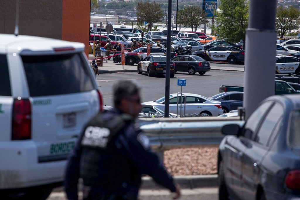 Smrtonosno streljanje v teksaškem nakupovalnem središču