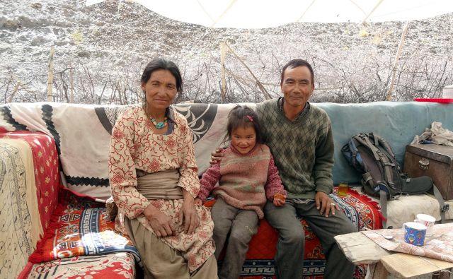 Družina, ki naju je povabila na čaj.