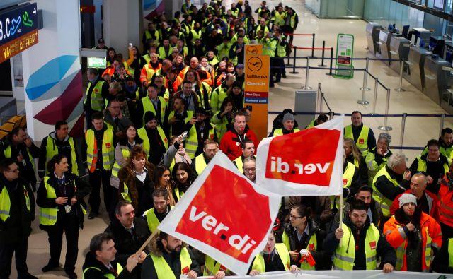 Nemški delavci so letos s številnimi stavkami v različnih panogah zahtevali in tudi dosegli zvišanja plač. Foto Reuters