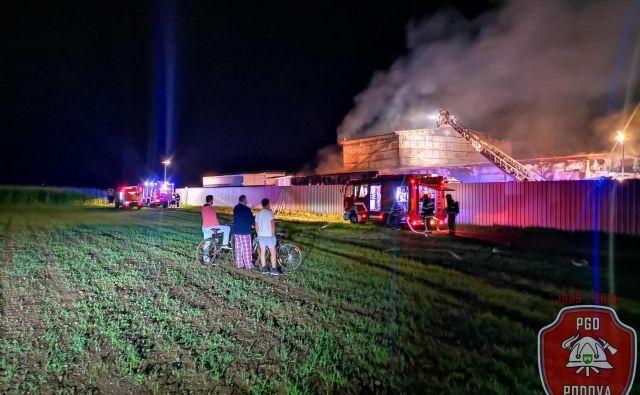 Požar v Račah. FOTO: PGD Podova