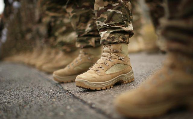 Slovenska vojska bo nabavila več kot 12.000 parov obutve. FOTO: Jure Eržen/Delo