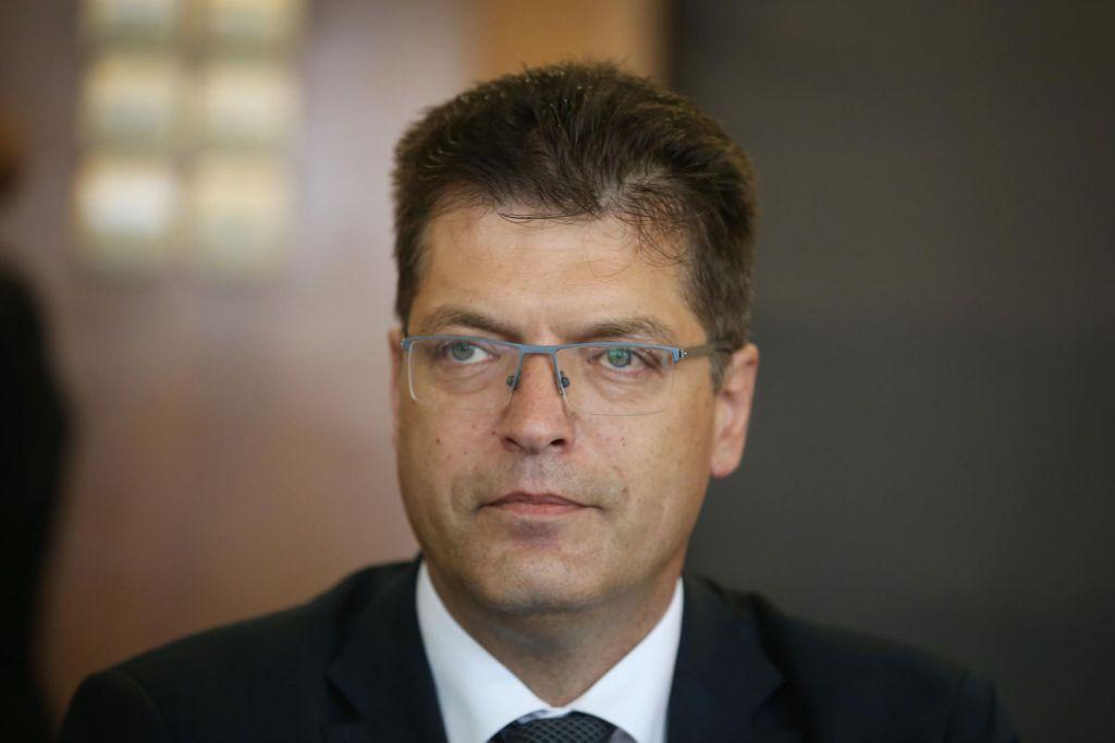 Janez Lenarčič se bo danes sestal z Ursulo von der Leyen