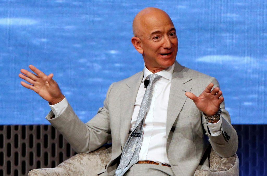 Bezosu prodaja delnic odnesla desetino premoženja