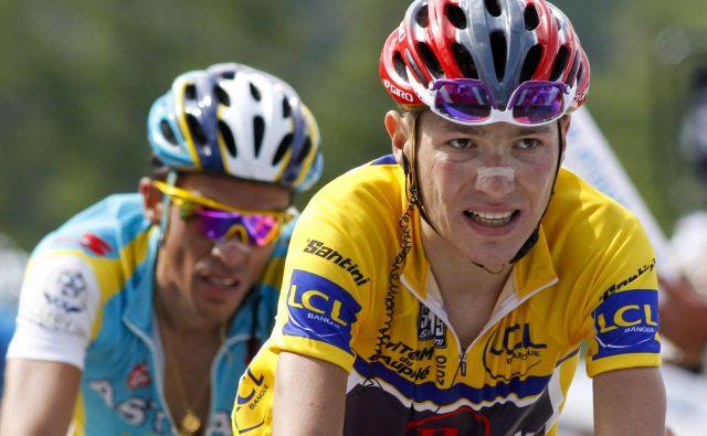 Jani Brajkovič (v rumenem) in Alberto Contador med enim od dvobojev v francoskih Alpah leta 2010.Slovenski kolesar Jani Brajkovič je v pretresljivem zapisu na blogu razkril, da se je dolga leta boril z bulimijo. FOTO: Reuters