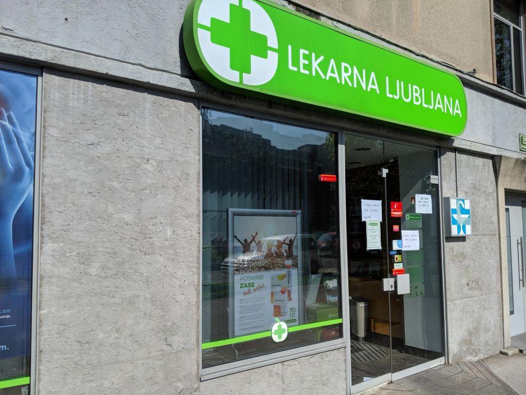 Poslovalnice Lekarne Ljubljana odprte za izdajo zdravil na papirnati recept