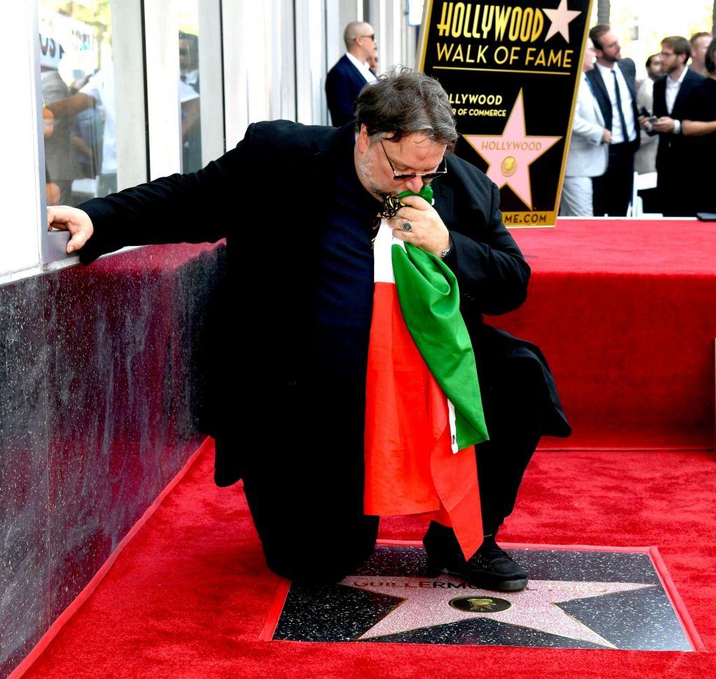 FOTO:Svojo zvezdo na pločniku slavnih je dobil tudi Guillermo del Toro