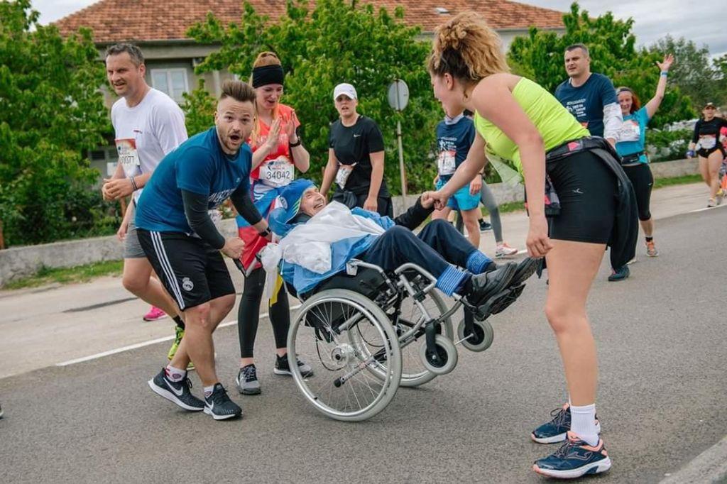 Konjiškega maratona se bo udeležil 86-letni Franček na vozičku