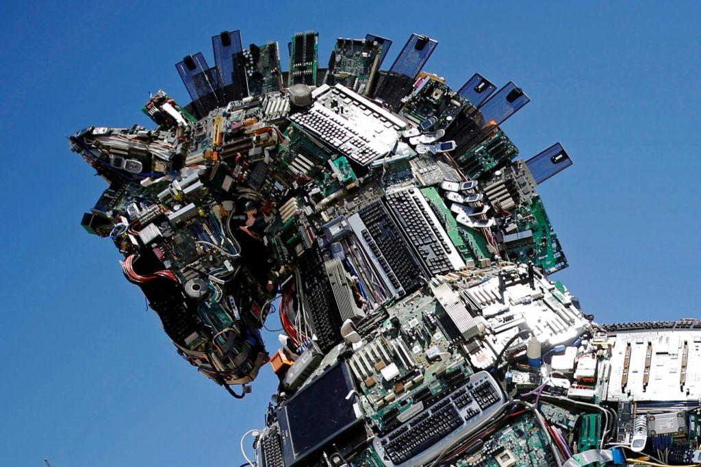 Robotokalipsa in kdo bo poročal o njej