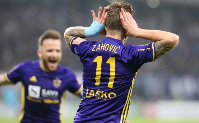 Luka Zahović je v svoji prvi tekmi v sezoni zabil gol za prvo zmago Štajercev, tudi Dino Hotić se je odlikoval z lepim golom. FOTO: Tadej Regent/Delo
