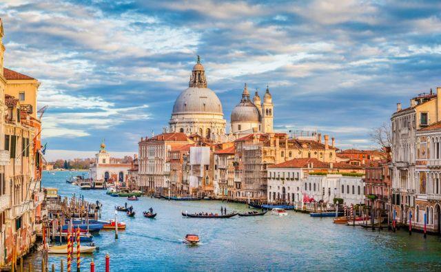 Benetke se proti množičnemu turizmu borijo s turistični takso, nekakšno vstopnino. Foto Bluejayphoto Getty Images/istockphoto