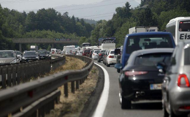 Največ prometa in zastojev bo na avtocestah od Avstrije proti Hrvaški in nazaj. FOTO: Blaž Samec/Delo