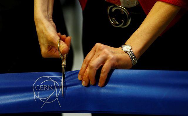Švicarski CERN pa omogoča od štiri- do 12-mesečno prakso in pripravništvo študentom inženirstva, IT, znanosti o materialih, matematike, robotike in uporabne fizike. Foto: Reuters