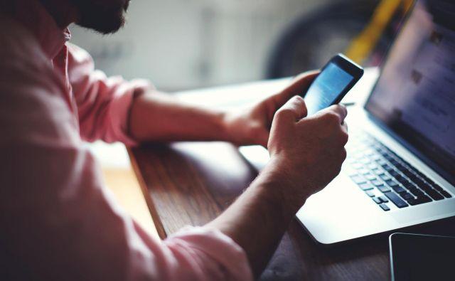 Če tudi vi dobite podoben telefonski klic, v NLB svetujejo, da podatkov ne posredujete, dogodek pa prijavite najbližji policijski postaji. FOTO: Shutterstock