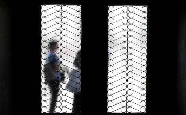 Večino od okli 150 pričevanj, ki jih je zajela analiza inštituta, so podale ženske, o spolnem nasilju pa je spregovorilo še šest moških in ena transspolna oseba. FOTO: Blaž Samec/Delo