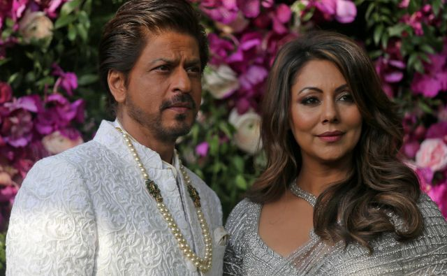 Tretji otrok bollywoodskega zvezdnika Shahrukha Khana in njegove žene Gauri se je rodil s pomočjo nadomestne matere. FOTO: Reuters