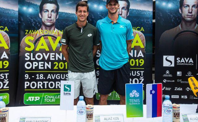 Aljaž Bedene (levo) in Blaž Rola sta prvi in tretji nosilec challengerja v Portorožu, njuni poti pa bi se lahko križali v polfinalu. FOTO: Grega Valančič/Sportida