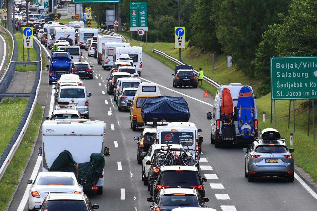 Štajerska avtocesta spet prevozna, toda zastoji so na številnih cestah