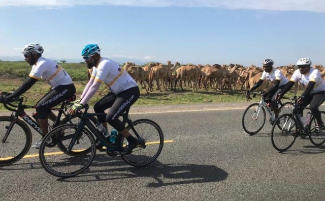 Mohamed Zahir, Osman Idrissa Dinda, Mohammed Salim in Anwar Mansour so 45-dnevno kolesarjenje začeli 9. junija. Foto Pedal To Hajj