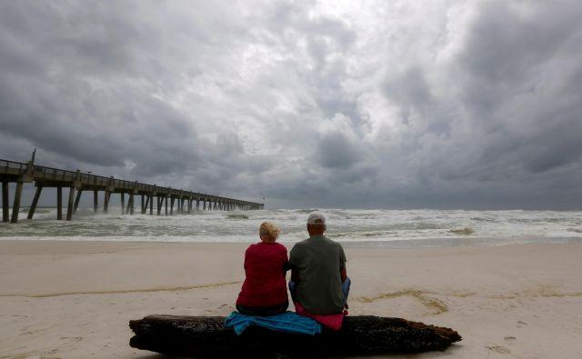 Je konec dolgočasne zakonske zveze v resnici nov začetek? FOTO: Reuters