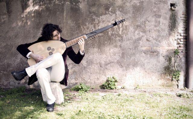 Predstavil bo projekt <em>L&#39;ultimo romano: lutnjisti in kitaristi v Rimu med 17. in 18. stoletjem</em>. Foto promocijsko gradivo