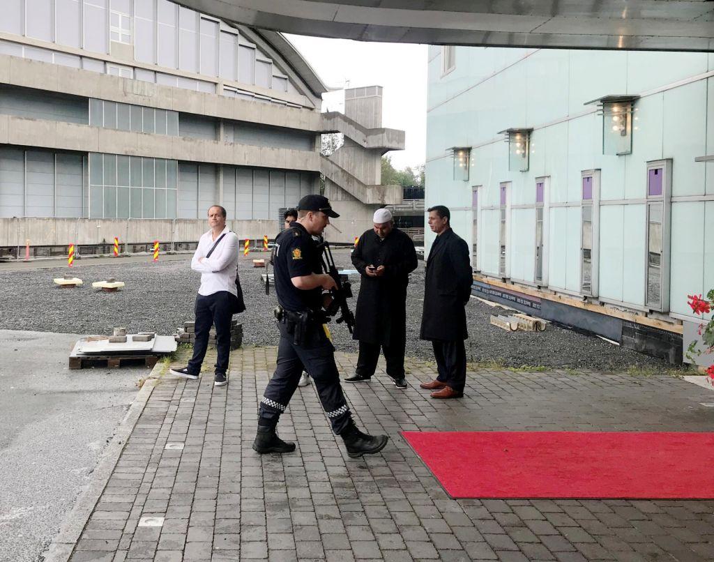 Osumljenec za napad v mošeji na Norveškem ostaja v preiskovalnem priporu